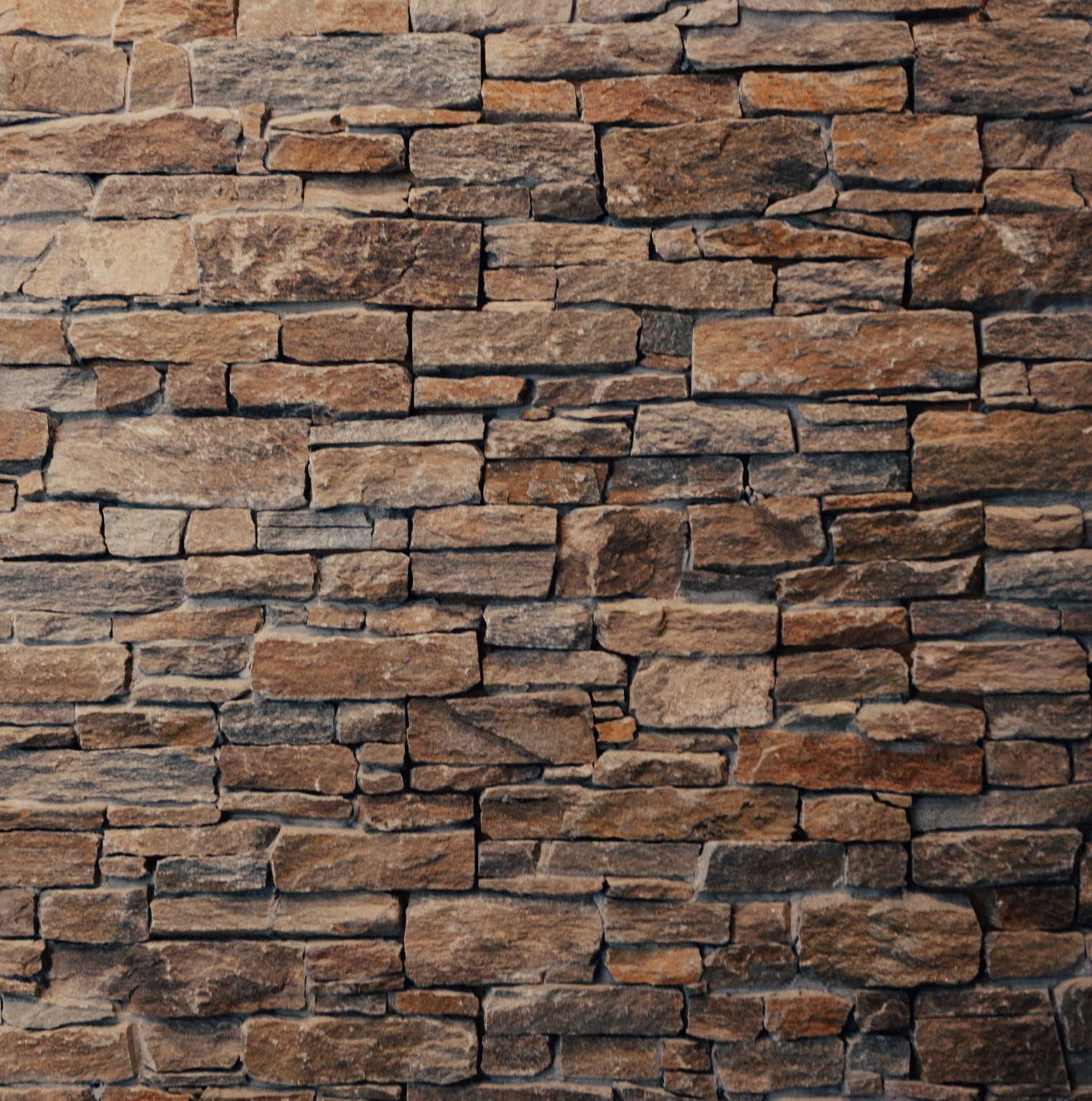 Natural stone veneer j r garden stone and rental inc for Stone veneer house pictures